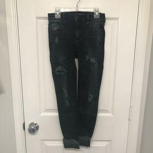 Dark destructed jeans